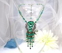 40 SHADES O' GREEN: Fringed Vintage Pendant Necklace