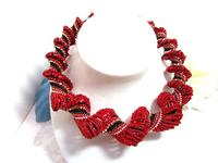 Graduated Bead Woven Necklace Scarlet and Black Spiral