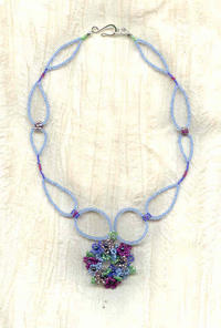 LA TIENDA DE LAS FLORES: Beaded Flowers Pendant Necklace