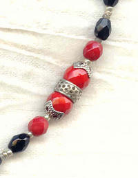 Vintage Crimson and Jet Art Deco Moulded Glass Long Pendant Necklace